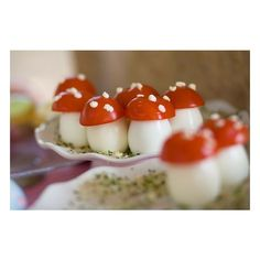 Bento / Quail eggs with cherry tomatoes ❤ liked on Polyvore featuring home and kitchen & dining