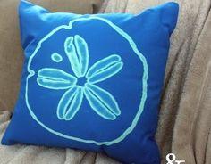 Paint a pillow with a bleach pen!  #pillows #crafts