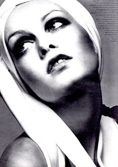 TWIGGY. How we all wanted to look like you Twig. No chance!!!