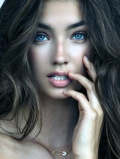 Very nice bw in 2019 beautiful eyes beautiful women t. Stunning Eyes, Gorgeous Eyes, Pretty Eyes, Beautiful Women, Girl Face, Woman Face, Beauty Photography, Portrait Photography, Art Visage