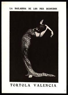 Bailarina de los pies desnudos, La . Tórtola Valencia MAE: C 0806; C 0806/2 Registre 214327 Tipologia: Col·lecció Cartells  Cartell: EspectacleIntèpret/s: Valencia, Tórtola (Ballarina); Escena Digital: http://colleccions.cdmae.cat/catalog/bdam:214327