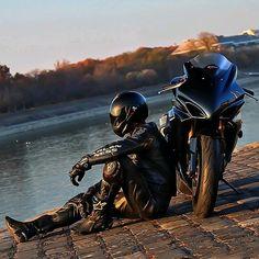 2006 Suzuki GSX-R 1000 motorcycle photo Motorcycle Photo Shoot, Motorcycle Suit, Suzuki Motorcycle, Ninja Motorcycle, Yamaha Motorcycles, Custom Motorcycles, Moto Biker, Gp Moto, Gsxr 1000