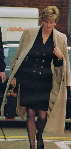 Bildresultat för princess diana black double breasted suit