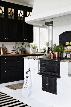 Cheap Home Decor .Cheap Home Decor Design Your Kitchen, Interior Design Kitchen, Home Design, New Kitchen, Kitchen Dining, Kitchen Decor, Kitchen Ideas, Brick Interior, Kitchen Black