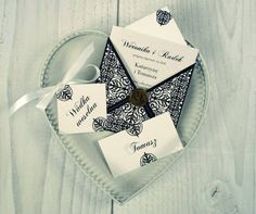 Seria White&Black -  zaproszenia ślubne PaperLove;  White&Black series - PaperLove weddin invitations.