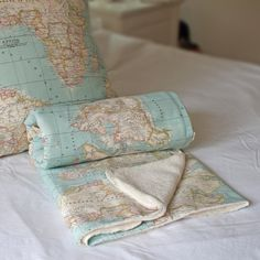 The annie sloan vintage world map fabric adds a stylish look to a manta mapa manta azul tela mapa manta cama manta por wikipillow gumiabroncs