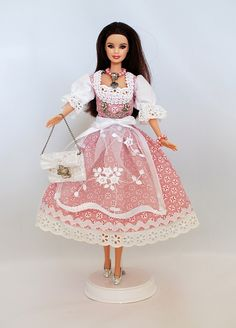 Aufwendig handgenähtes Outfit für Barbie Puppen.  - Druckknopfverschließung - Robust und waschbar mit 30° - ohne Puppe  Tierfreier Nichtraucherhaushalt. Schau Dir auch meine anderen Modelle...