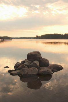 Herkkupurkki: valokuva, autumn, water, stone