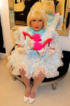 Sissy Maid Hypnosis and sissy maid Isla is just about to clean the marabou feather mules