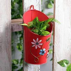 Beautiful metal planters for hassle-free planting session with your kids and pets. Wall Mounted Planters, Decorative Planters, Metal Planters, Planter Pots, Wall Planters, Buy Metal, Free Plants, Bulb Flowers, Outdoor Plants