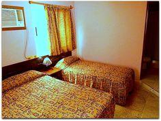 Detalle de una habitación. Cuba, Animal Print Rug, Bed, Furniture, Home Decor, Apartments, Decoration Home, Stream Bed, Room Decor