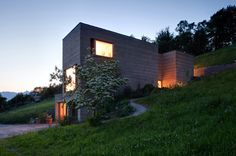 Rammed earth House Rauch / Boltshauser Architekten