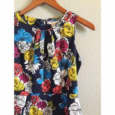 SL Printed Peplum Top Peplum Blouse// Silky Feel// Pleated Neck// Lightweight!// Perfect for Spring!// Gently Used// in EXCELLENT condition! Banana Republic Tops Blouses