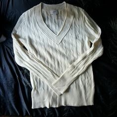 NWOT - Wool blend sweater Cable knit style, never worn, slightly off-white color. Very warm and cozy, perfect for winter! LOFT Sweaters