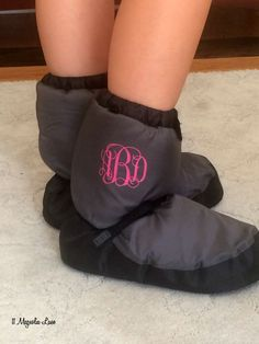 Easy way to personalize dance booties {would work for other sports gear too so similar items don't get mixed up during practice!}. See tutorial here!