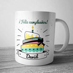 Taza cumpleaños personalizada. Felicita con un regalo original. Birthdays, Ideas Para, Scrapbook, Lettering, Mugs, Tableware, How To Make, Anime, Design