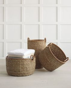Made of woven seagrass and a smooth wood rim, these storage baskets are perfect for your bath towels. Coastal Living Rooms, Coastal Cottage, Coastal Style, Coastal Decor, Coastal Bathrooms, Coastal Bedding, Cozy Cottage, Do It Yourself Organization, Closet Organization