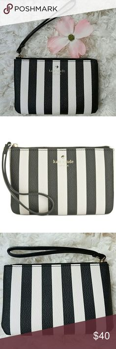 """Kate spade Wristlet Super cute! Sold out in stores. Perfect for a ladies/date night out. Small enough to fit keys, money, ID and lipstick. 6.5""""W x 4.5""""L. kate spade Bags Clutches & Wristlets"""