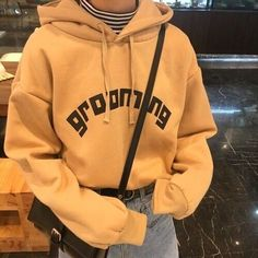 See design and style hoodies for women of a given season, trendy hoodies selection. You'll find that we have lovely and cheap hoodies for mothers to keep a person trendy. Look Fashion, 90s Fashion, Fashion Outfits, Fashion Trends, Tumblr Fashion, Fashion Clothes, Trendy Fashion, Mode Hipster, Streetwear