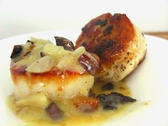 Seared #scallop with bacon & vanilla: http://goo.gl/0cvvYP