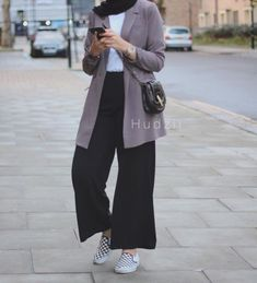 Style Casual Hijab Kulot Super Ideas Source by DeaSupernova ideas hijab Modern Hijab Fashion, Street Hijab Fashion, Hijab Fashion Inspiration, Muslim Fashion, Modest Fashion, Fashion Outfits, Casual Hijab Outfit, Hijab Chic, Casual Outfits