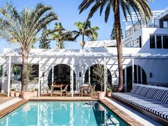 Hotel tour- A vibrant and beautifully layered seaside boutique hotel in Australia! : Mix and Chic: Hotel tour- A vibrant and beautifully layered seaside boutique hotel in Australia! Fresco, Lake Tahoe Houses, Beach Houses, Piscina Do Hotel, Halcyon House, Halcyon Days, Beste Hotels, Hotel Pool, Hotel Spa