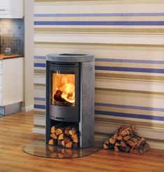 Contura 520T  #KernowFires #stove #woodburner #cornwall #contemporary #modern #wadebridge #redruth #fireplaces #freestanding
