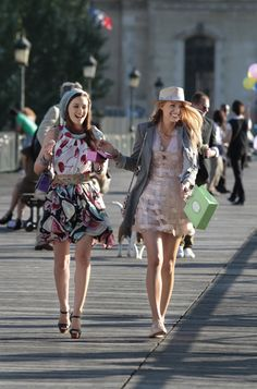 Blair and Serena in Paris