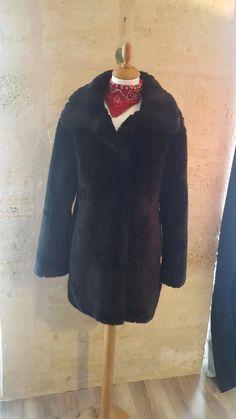 Beau manteau en fausse fourrure Asos - Bonjour les filles!! Je me sépare de c0f205e6a955