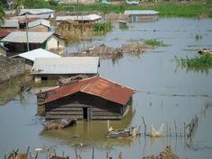 Chuva gera alagamentos deixando mortos e mais de três mil desalojados em Abidjan Costa do Marfim