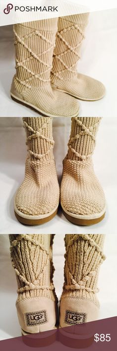 Authentic Argyle Knit UGGS Authentic argyle knit UGGS. S/N 5879. Tannish/cream. Minimal wear. Please see pictures for specifics. Size 10. UGG Shoes