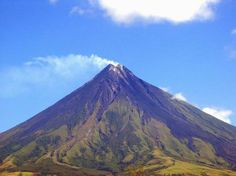 Mayon Volcano , is an active stratovolcano located in the province of Albay, Bicol Region, on the island of Luzon, in the Philippines. Volcano Wallpaper, Places To Travel, Places To See, Rizal Park, Virtual Field Trips, Baguio, Seven Wonders, Tourist Spots, Palawan