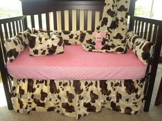 4 piece crib set (bumper pad is 4 pieces but considered 1 piece): 1 bedskirt 14 drop, 1 lightweight coverlet blanket (30x45), 1 4pc bumper