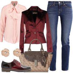 Jeans Levi's a sigaretta, fino alla caviglia, camicetta rosa con fiocco, giacca Galliano bordeaux, come le stringate sfumate con tacco largo. Completo l'outfit con borsa a mano Guess e orecchini a forma di fiore. Un look raffinato per una donna che ama ogni giorno sentirsi speciale.