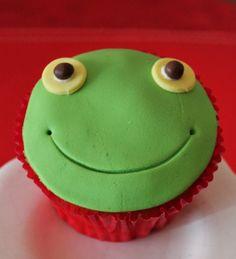 Sapo Pepe Cupcakes by Violeta Glace