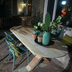 Een ovale eettafel, ideaal voor in de tuin! - Eigen Huis en Tuin