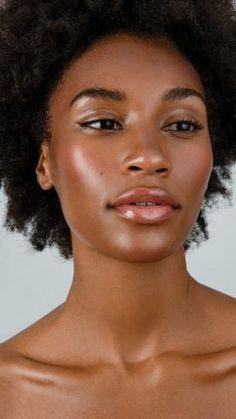 Dewy Makeup Look, Natural Makeup Looks, Natural Face, Natural Hair Styles, Natural Glow Makeup, Black Girl Makeup, Girls Makeup, Braut Make-up, Brown Skin