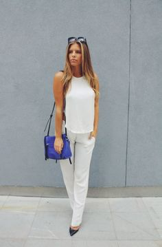 Natasha of #tashoakley roams the street of New York with the cobalt Hunter tote by linea pelle #fashion #streetstyle