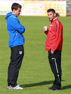 Die Ex-Unioner #Jan #Glinker (links - FC Magdeburg) & Kapitän #Karim #Benyamina vorm Spiel im Gespräch.