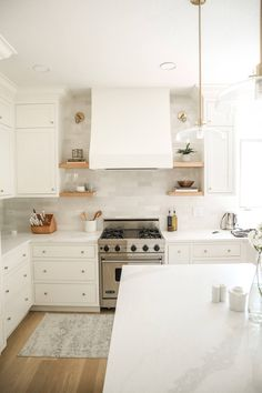 Small White Kitchens, White Shaker Kitchen, Shaker Kitchen Cabinets, Shaker Style Kitchens, Cabinets And Countertops, Home Kitchens, Inset Cabinets, White Cabinet Kitchen, White Kichen