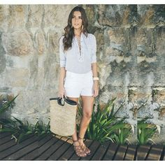 Friday i'm in love!Camisa Fran + Bolsa Palha com detalhe em couro! #ateen #ateenbalneario #colecaobalneario #balneario #verao16 #moroccansummer #summer #fashion #friday