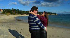 Anabel y Carlos una tarde de diciembre muy soleada disfrutando como niños a las orillas del mar!! http://anabelycarlosmarketers.info/rias