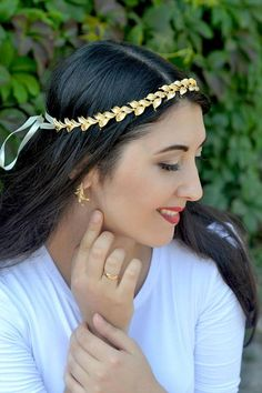 Nice golden accessories - LadyStyle