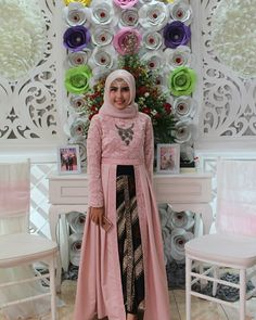 Sewing projects clothes women dresses inspiration 38 ideas for 2019 Batik Fashion, Abaya Fashion, Fashion Dresses, Kebaya Hijab, Kebaya Dress, Kebaya Brokat, Dress Brukat, Batik Dress, Batik Muslim