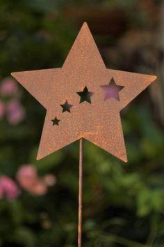 Edelrost Gartenstecker Stern 13,90 EUR Dekorativer Pflanzstecker aus Edelrost, mit herrlich ausgestanzten Sternenschweif optik.  Ein Gestaltungselement für Garten und Terrasse, mit dem Sie wunderschöne Akzente setzen.