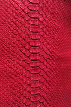 @AranzaDrive ❁ Animal Print Wallpaper, Wallpaper Backgrounds, Iphone Wallpaper, Textures Patterns, Fabric Patterns, Print Patterns, Fall Collection, Collage Background, Leather Texture