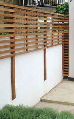 Clôture de jardin : 15 idées pour la choisir Garden Privacy, Backyard Privacy, Privacy Fences, Backyard Fences, Backyard Landscaping, Fence Garden, Backyard Designs, Patio Fence, Balcony Privacy