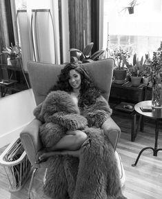 why we LOVE Cardi B, our spirit animal Nicki Minaj, Wallpaper Schwarz, Cardi B Photos, Bodak Yellow, Johny Depp, Doja Cat, Lil Pump, Bacardi, Queen B