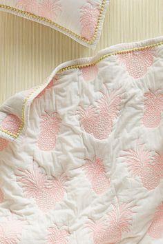 Slide View: 3: Pineapple Toddler Quilt & Playmat