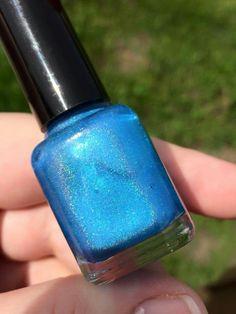 Sweet Heart Polish prototype (blue flakie linear holo)